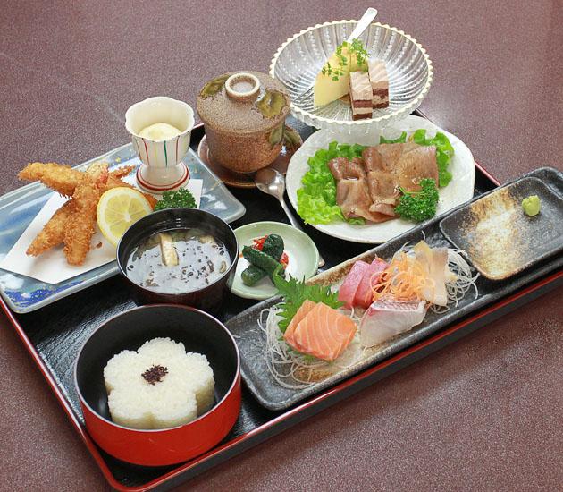 四季 花菜(しき かさい)